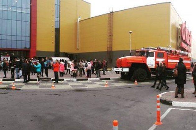 Гостей торгового центра «Комсомолл» вИркутске экстренно эвакуировали