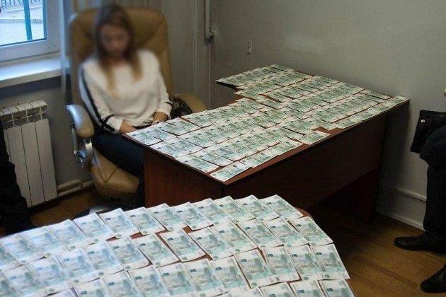 Момент задержания главврача Приаргунской ЦРБ Мунгалова