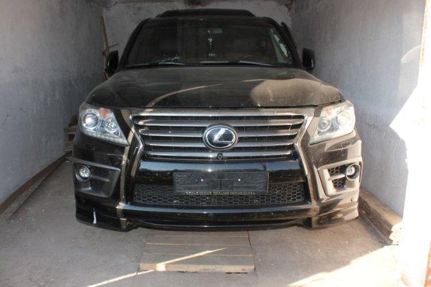 Автомобиль Lexus LX 570, который был угнан в Чите у жителя Краснокаменска