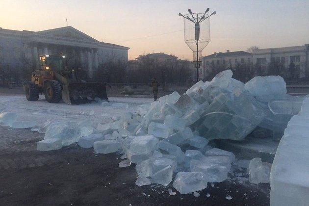 Снос ледового городка