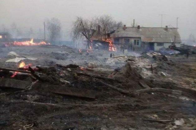 Сгоревшие дома в Усть-Ималке