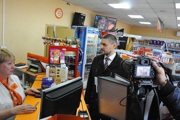 Александр Осипов лично поехал по АЗС в Чите