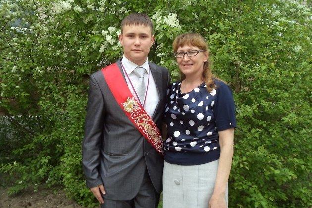 Павел Беспрозванных с мамой Людмилой Авдеевой