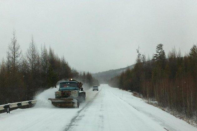 Дорогу Р-258 «Байкал» перекрыли из-за снегопада вСлюдянском районе