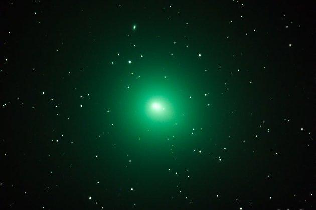 Комета Виртанена, запечатлённая американским любителем астрономии Стивом Покеном 3 декабря 2018 года