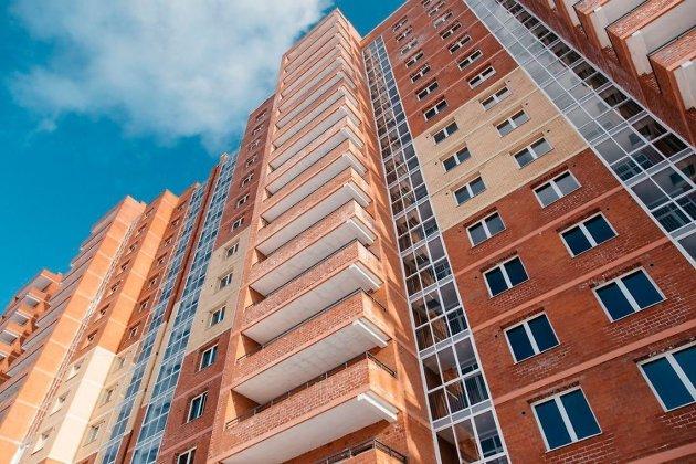 Женщина разбилась насмерть, выпав сбалкона шестого этажа вИркутске
