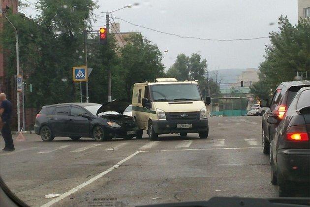 ДТП на перекрёстке улиц Полины Осипенко и Чкалова в Чите