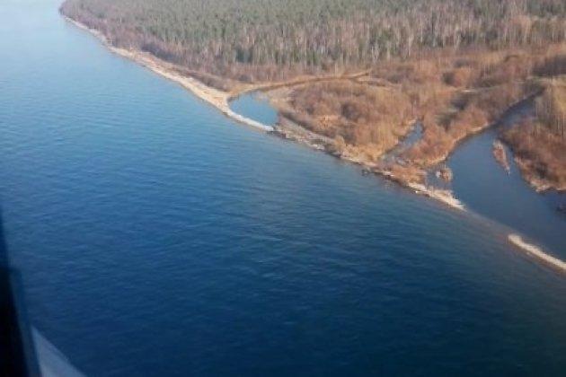 Поиски пропавших рыбаков с вертолёта