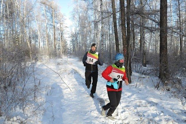 Розовощёкая Ольга Ткачук бежит за очередной медалью