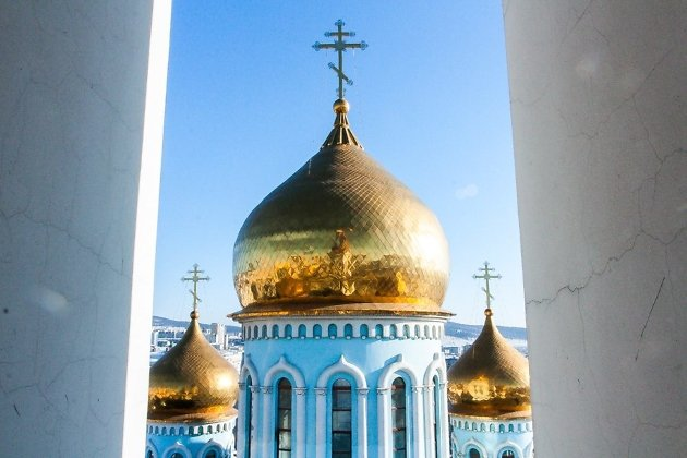 Купола Кафедрального собора Казанской иконы Божией Матери