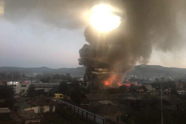 Пожар деревянного дома на улице Ярославского в Чите