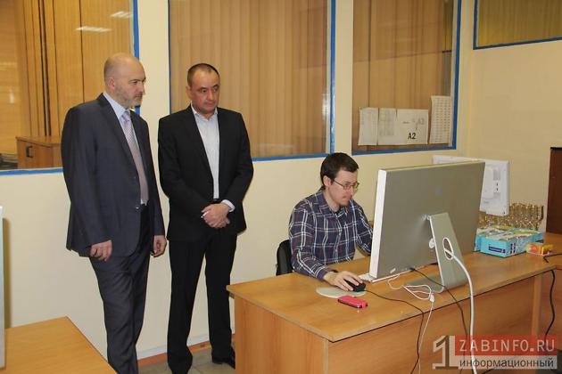 Предприниматель Михаил Степанов (справа) с экс-губернатором Константином Ильковским во время исполнения им полномочий главы региона.