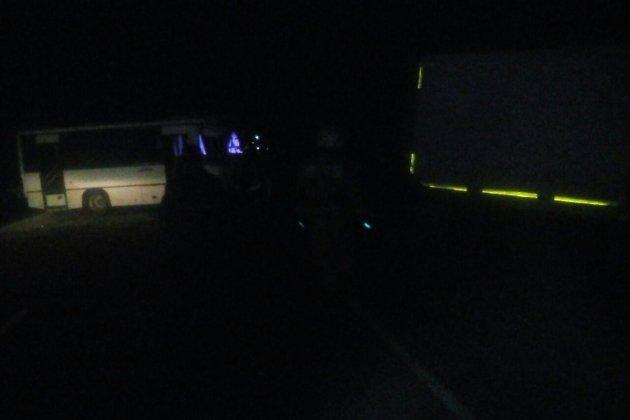 Рейсовый автобус столкнулся с грузовым автомобилем  вЗабайкалье: один человек умер