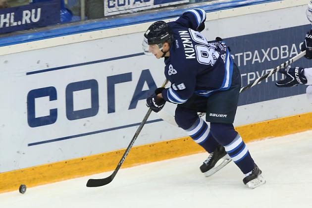 Денис Кузьмин в форме нижнекамского «Нефтехимика» из КХЛ