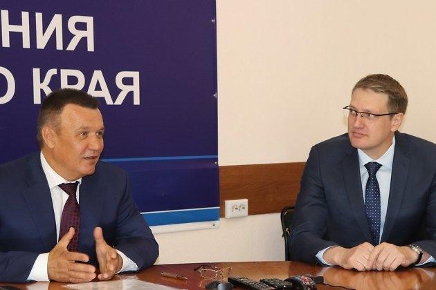 Александр Мироманов справа, Сергей Давыдов слева