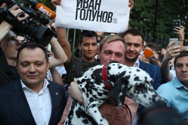 Журналиста Ивана Голунова отпустили из-под домашнего ареста, дело закрыто