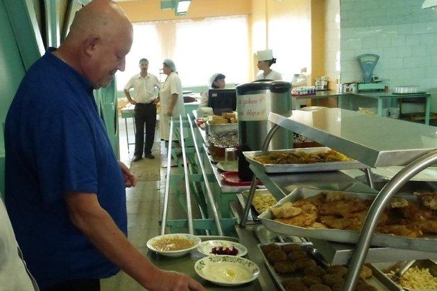 Глотов инспектирует столовые ППГХО, август 2017-го