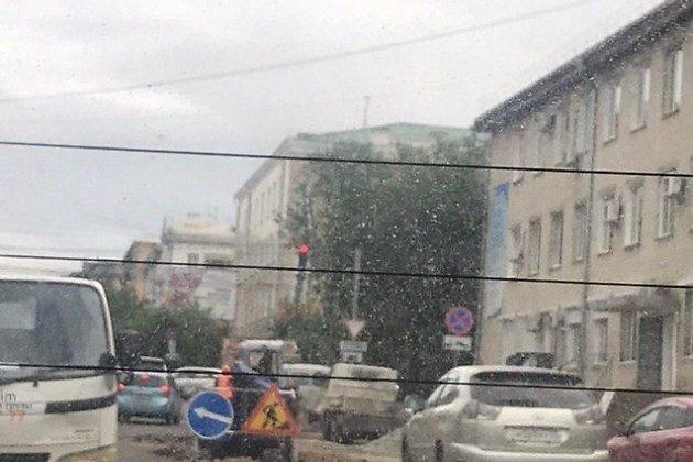 Место ремонтных работ на Ленинградской в Чите