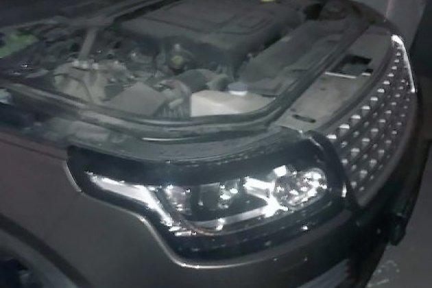 Люксовый вседорожный автомобиль иоборудование для угонов обнаружили полицейские вгараже вХомутово