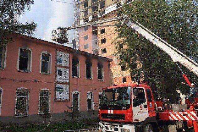 ВИркутске нашвейной фабрике случился мощный пожар
