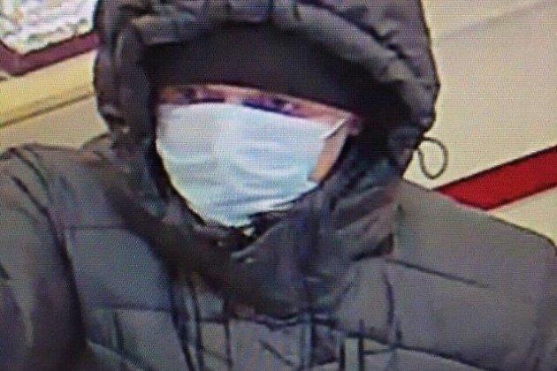 ВПриангарье трое вмасках ограбили ювелирный магазин на10 млн руб.