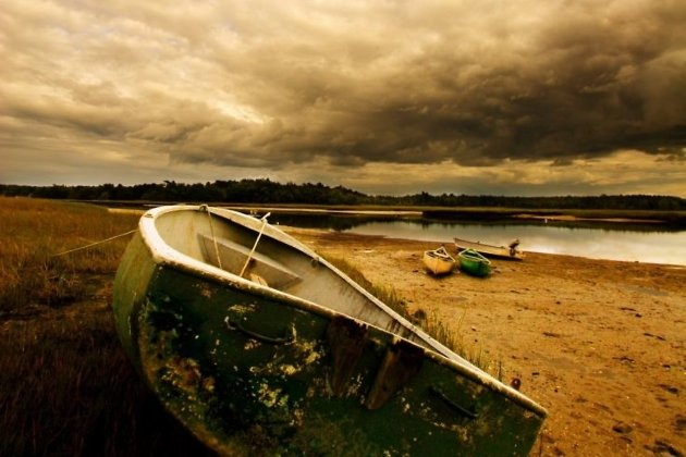 Лодка на берегу, лодку