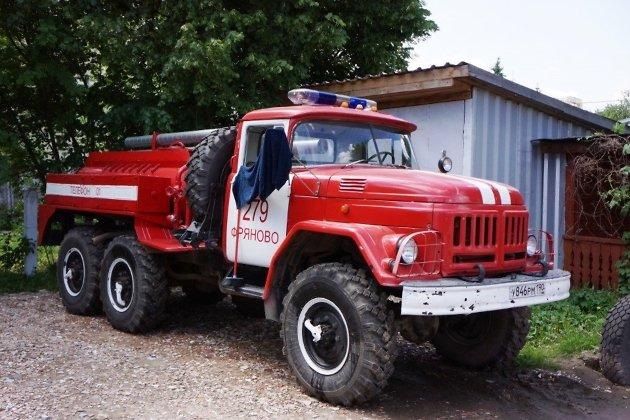 Превращённый в пожарную машину военный автомобиль АРС