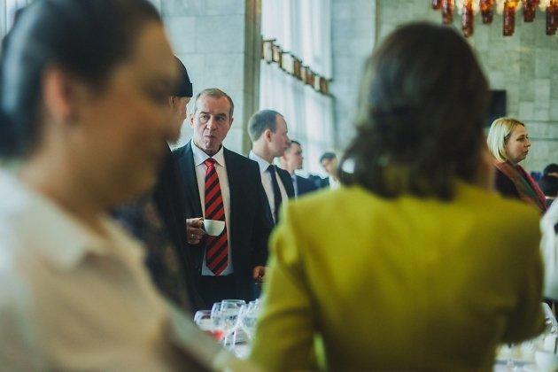 Сергей Левченко и его сын, депутат заксобрания Андрей Левченко (за губернатором)
