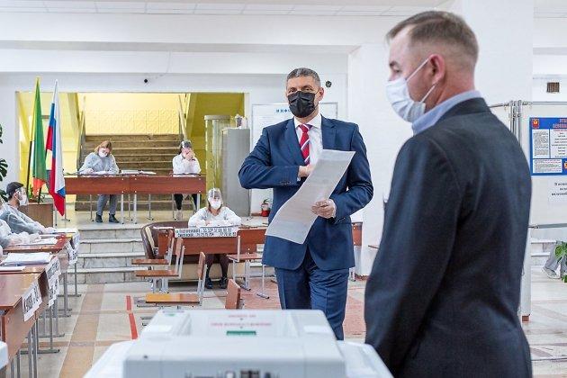 Александр Михайлович – голосовал через КОИБ