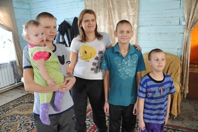 Екатерина Шангина с детьми