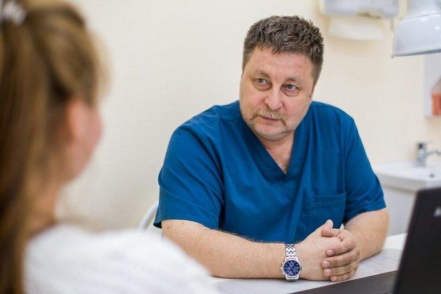 Феликс Белозерцев, нейрохирург, руководитель клиники