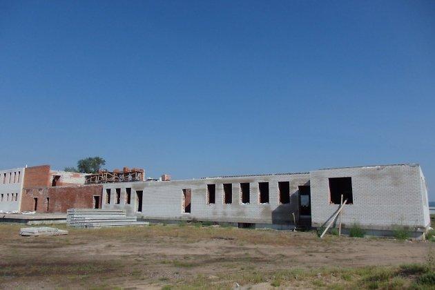 Строительство школы в Большой Туре