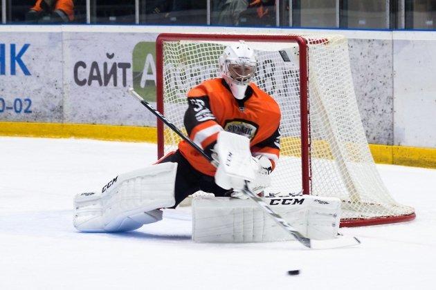 Александр Хомутов продлил контракт