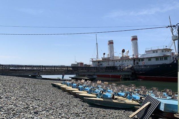 Катамараны у ледокола «Ангара»