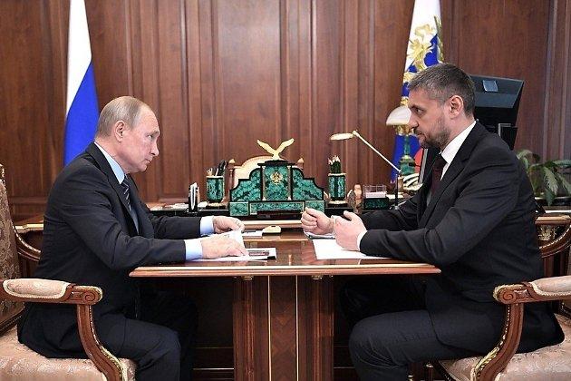 Президент России Владимир Путин и врио губернатора Забайкалья Александр Осипов