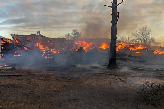 Сгоревшая школа в Большом Голоустном