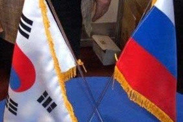 МИД: Ваэропорту Сеула задержаны 24 жителя России