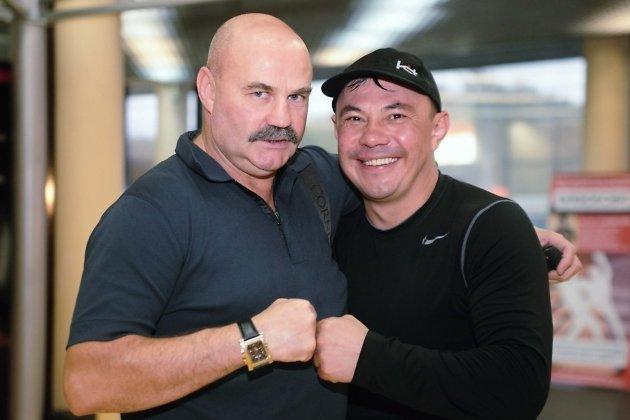 Вячеслав Яновский с боксёром Константином Цзю