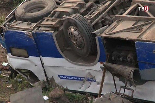 Разбившийся автобус Kia Grandbird
