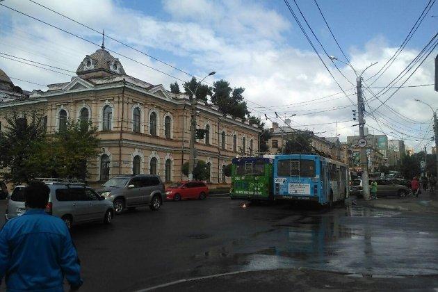 ДТП на перекрёстке улиц Чкалова и Бутина в Чите