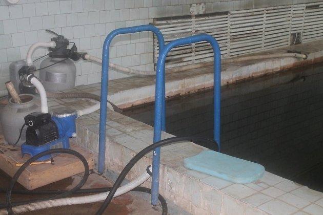 Аварийное помещение бассейна в школе №27 в Чите