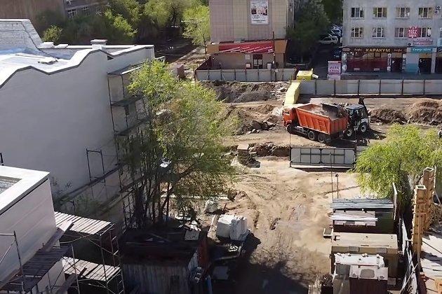 Стройка на Театральной площади в Чите