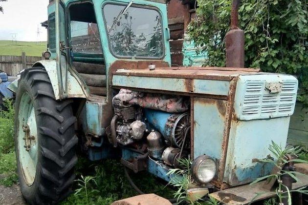 Трактор должника по алиментам.