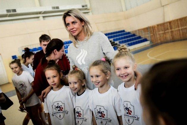 Елена Шаламова с детьми