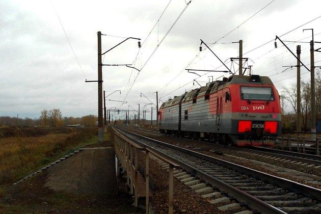 Во время прохода поездов дефектоскописты должны уходить с путей