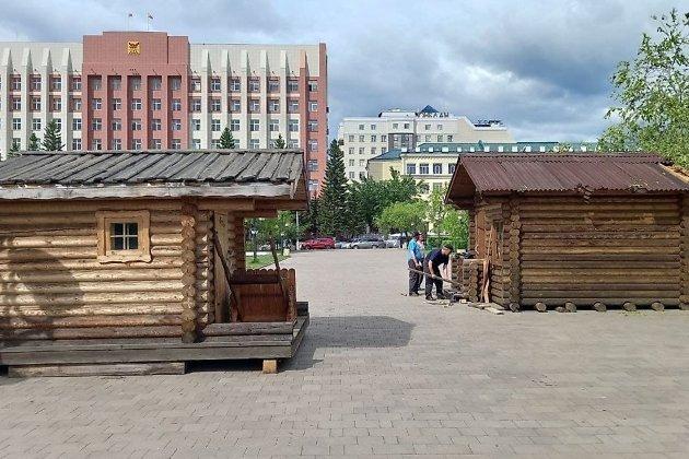Новые домики к фестивалю на площади Ленина