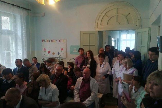 Встреча Александра Осипова с работниками больницы в Шерловой горе.