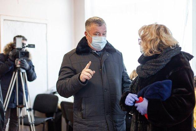 Вице-премьер правительства Забайкалья Андрей Гурулёв в защитной маске