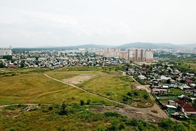 Место, где предполагается постройка школы в мкр Октябрьский