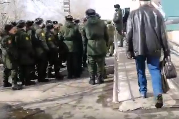 Солдаты голосуют в Чите